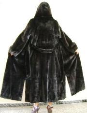 Продам норковую шубу мех BlackLama