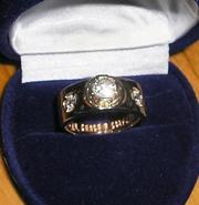 Продам мужское золотое (585пр.) кольцо с бриллиантами